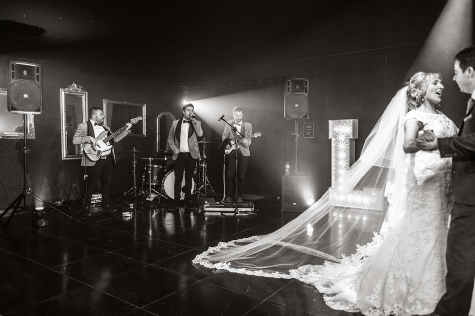 24k live wedding band at oldwalls